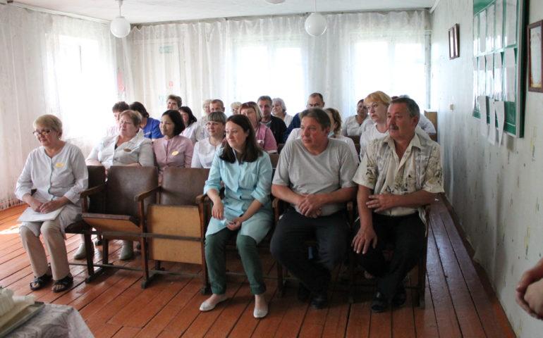 17 июня в актовом зале Атамановской поликлиники принимали поздравления медицинские работники.