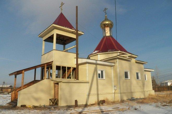 Первую за 90 лет литургию совершили в новом храме в селе Верх-Чита в Забайкалье
