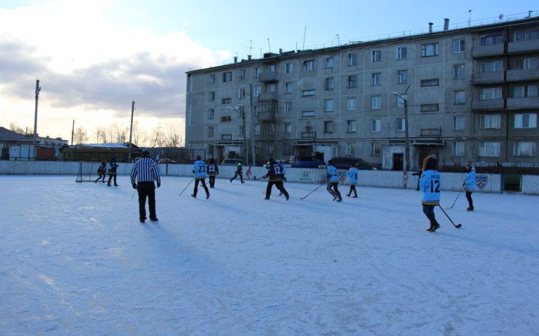 Товарищеские встречи любителей хоккея в Домне